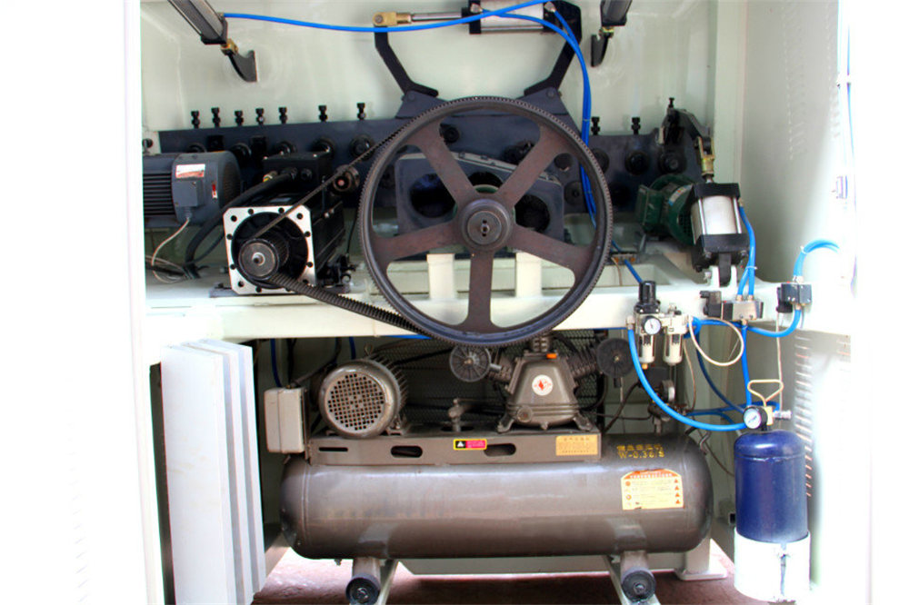 CNC vielos lenkimo mašina4