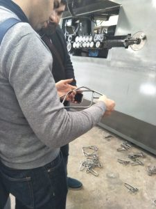 Klientas aplanko gamyklą